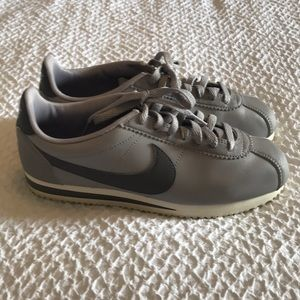 Nike Cortez Leather Sneakers Size 8